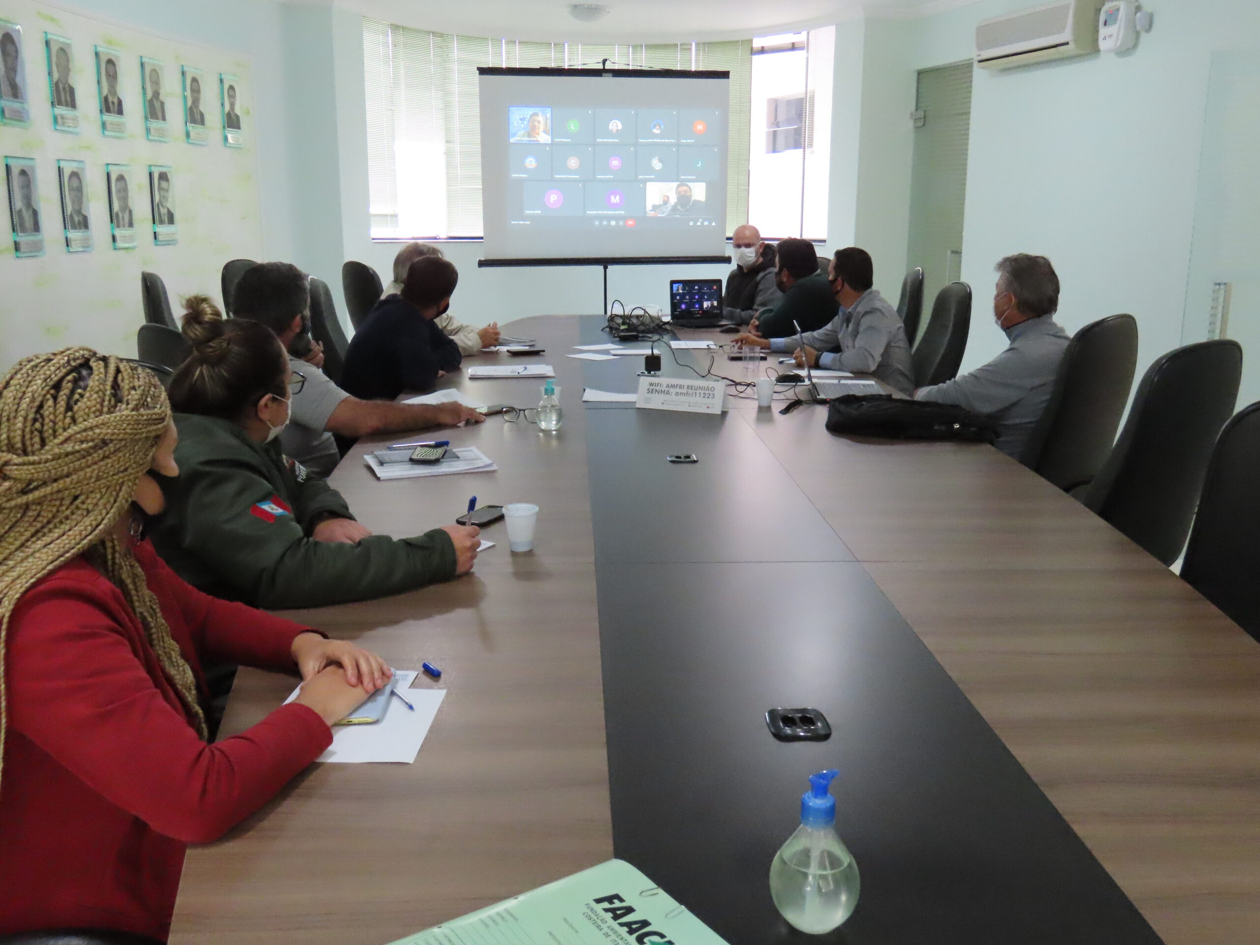 Secretários Municipais da Pesca dos oito municípios litorâneos da AMFRI (exceto Camboriú, Ilhota e Luiz Alves) Foto: AMFRI